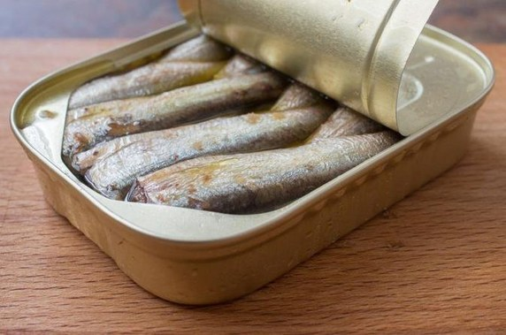 Angola to resume export of canned fish