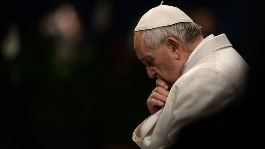 Pope admits he falls asleep while praying