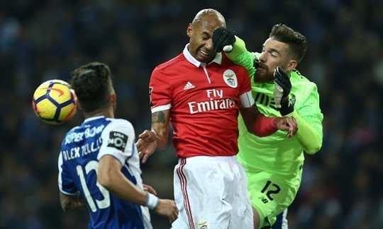 Porto 0-0 Benfica: Hosts left frustrated as they lose title race lead