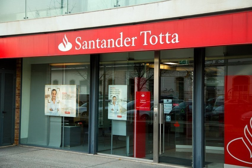 Portuguese Bank Santander Totta Blocks Bitcoin-Related Transactions