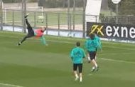 Cristiano Ronaldo scores bicycle kick in Real Madrid training